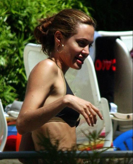 10 fotos da Angelina Jolie sem photoshop