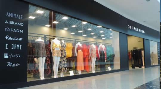 Conheça a OFF Premium com 70% de desconto em roupas de grandes marcas